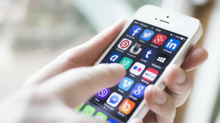 今年発売のiPhone12が最強すぎる…まだAndroid使ってる負け組おる?